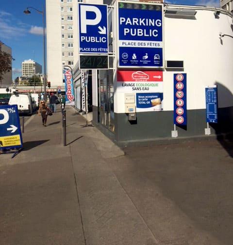 Paris France Parking Parkplatze Am Gare Du Nord